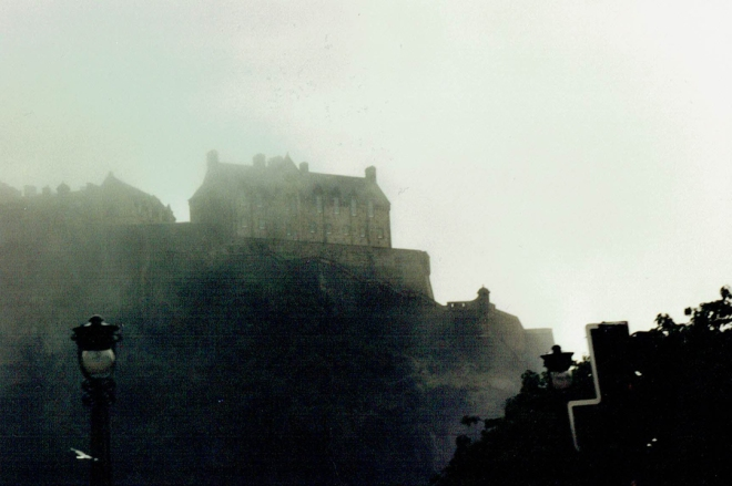 EdinburghCastle_07301995
