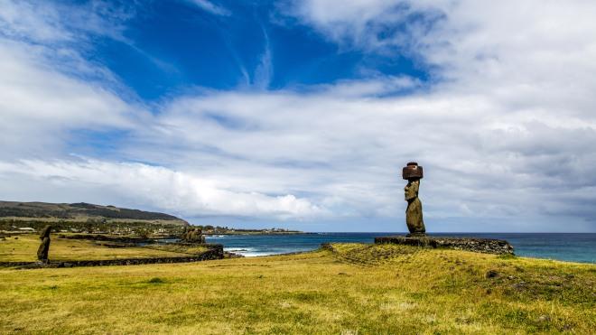 Moai_EasterIsland_Landscape_Jaboczw