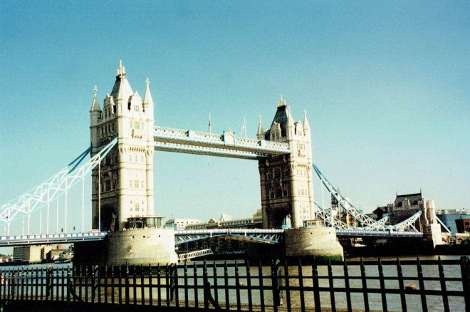 TowerBridge_07121995