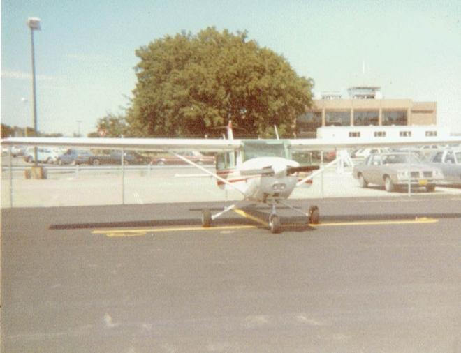 Cessna152_08261984